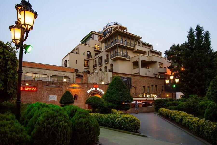 Какую гостиницу выбрать в Тбилиси туристу